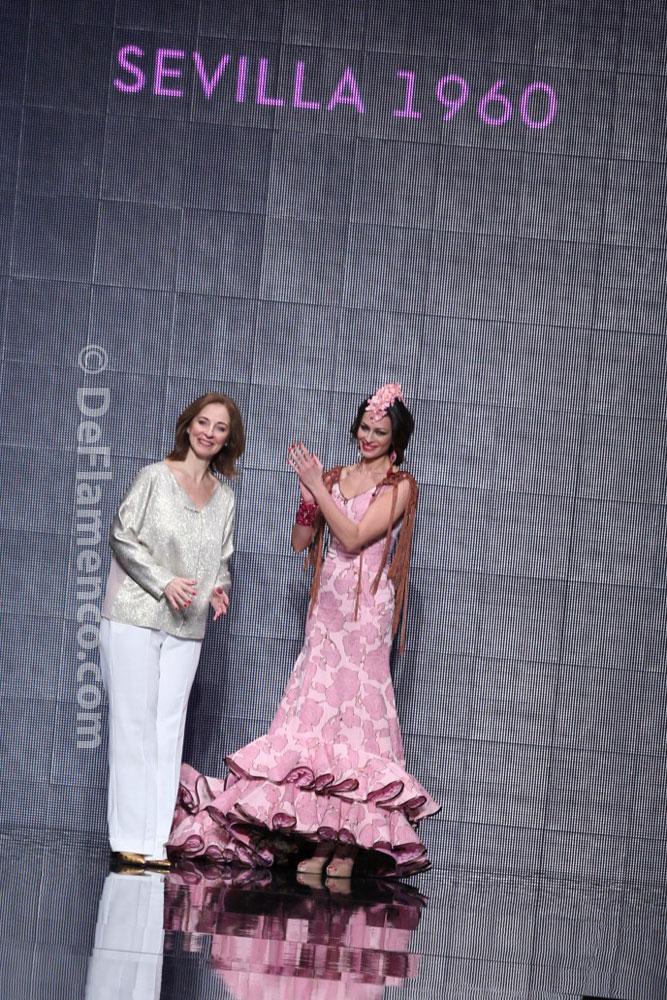 """Lina """"La Gata Rosa"""" Simof 2014 – Trajes de flamenca"""