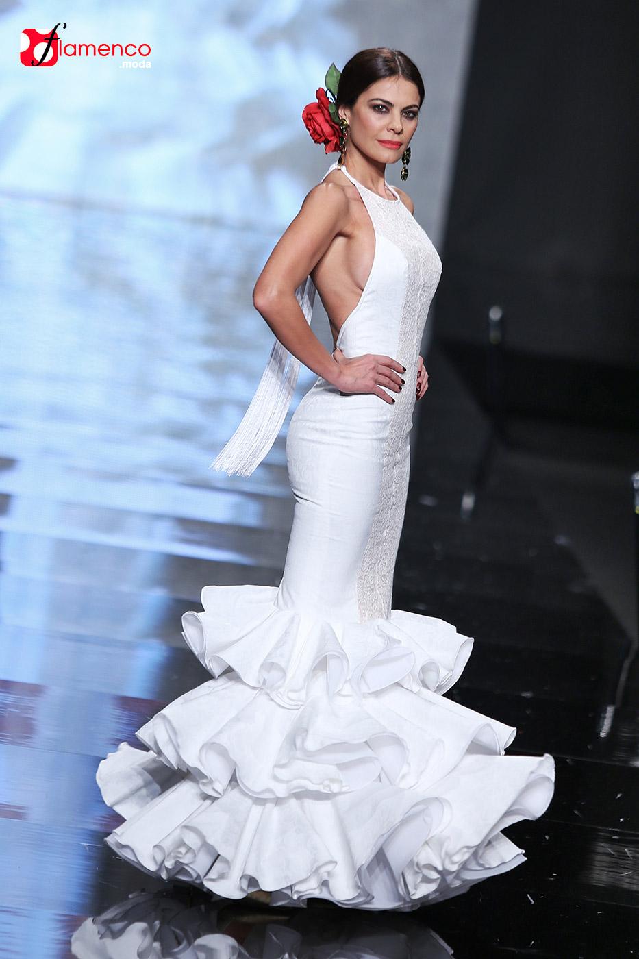 """Pilar Rubio """"Sortilegio"""" Simof 2015"""