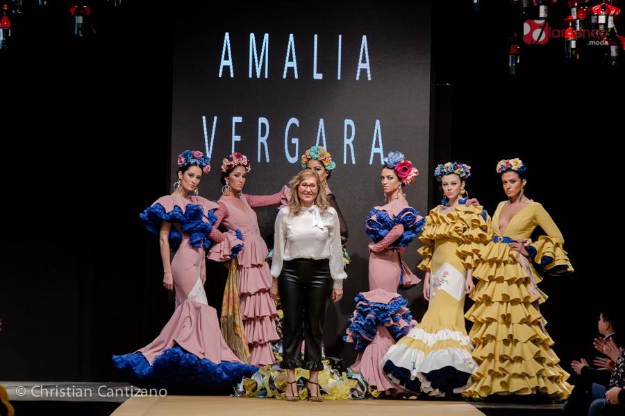 """Amalia Vergara """"Perdiéndome en el tiempo"""" – Noveles Pasarela Flamenca Jerez 2018"""