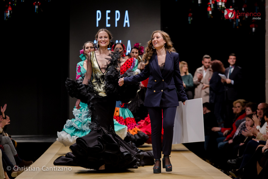 """Pepa Mena """"La niña de fuego""""  – Noveles Pasarela Flamenca Jerez 2018 (Ganador)"""